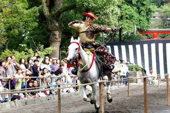 鶴岡八幡宮の流鏑馬神事の関連画像1