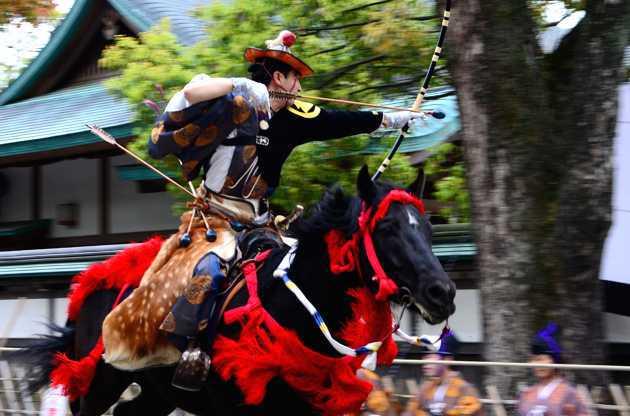 鶴岡八幡宮の流鏑馬神事の関連画像2