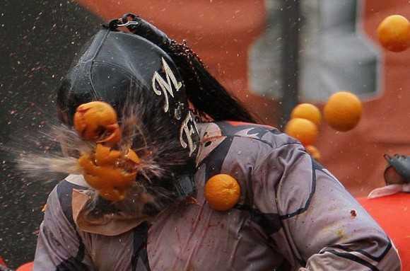 オレンジ投げ合戦のメイン画像